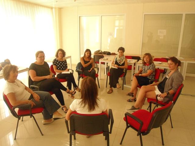 İzmir TEV Cumhuriyet Yüksek Öğrenim Kız Öğrenci Yurdunda, Kolaylaştırıcı Eğitimleri  (21-22 Eylül 2013 Eğitimcinin Eğitimi)